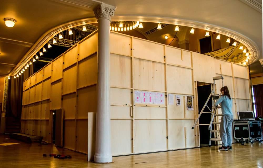Den 63 kvadratmeter store og tre meter høye Labyrinten på plass Arbeideren. Foto: Ticiane Oliveira