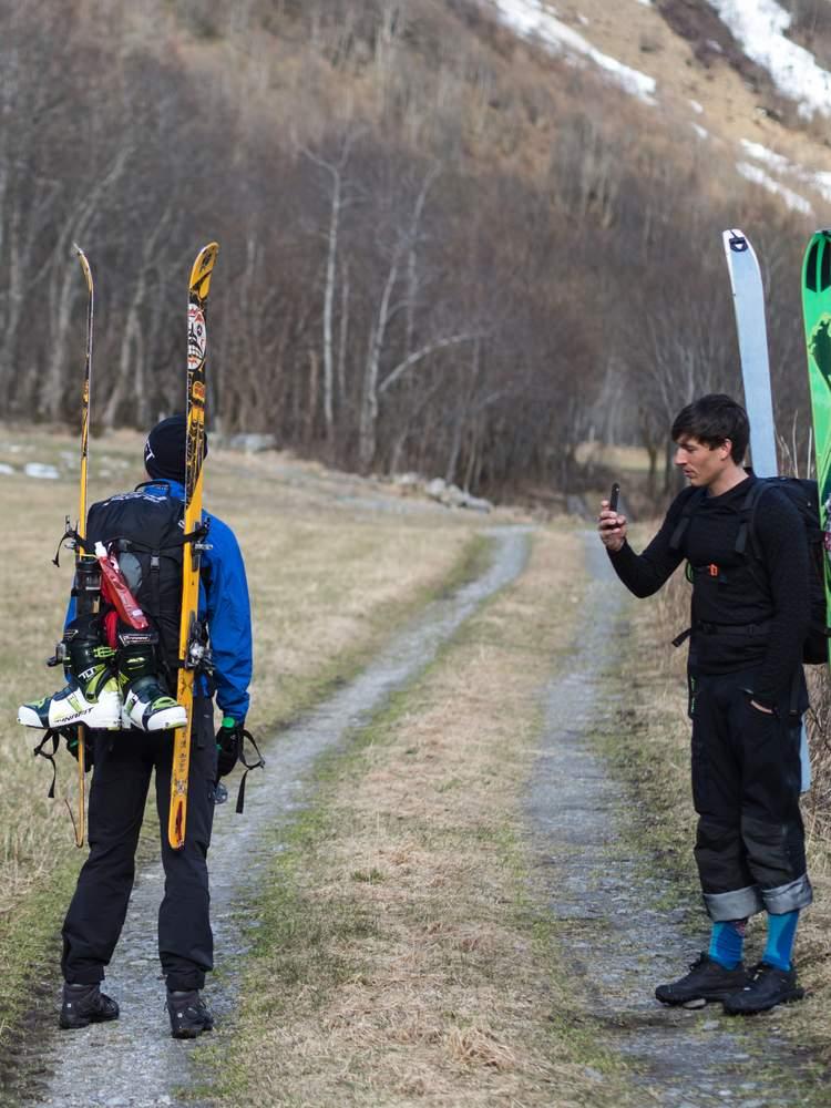 Mariusene på vei opp til Patchellhytten og Slogen.Foto: Katrine Nordeide Kuiper.